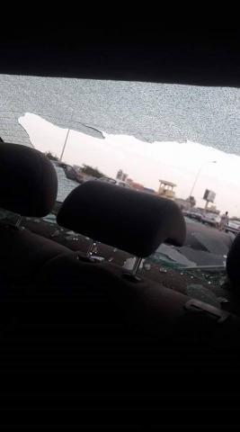 سيارة إحدى المشاركات تعرضت للتكسير من قبل الشرطة !!