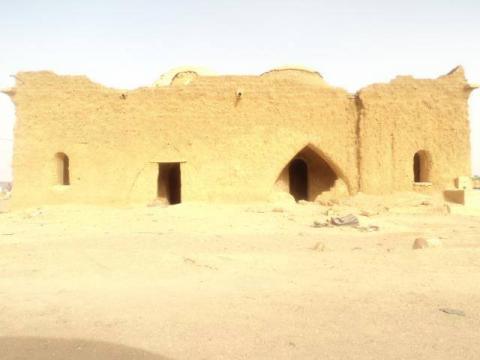 لا تزال بعض منازل أسرة الإمارة قائمة بمدينة أطار
