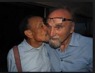 """يبدو أن """" موريس افريد """" صاحب النظرات لها محبة خاصة لدى المستثمر المدغشقري بيير رادي"""