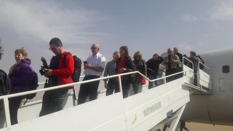سبق أن وصل في الرحلة الأولى عدد من الصحفيين مثل موفدة لوكالة الأنباء الفرنسية التي رافقها مراسل مراسلون في أطار لإعداد عدد من التقارير عن موريتانيا