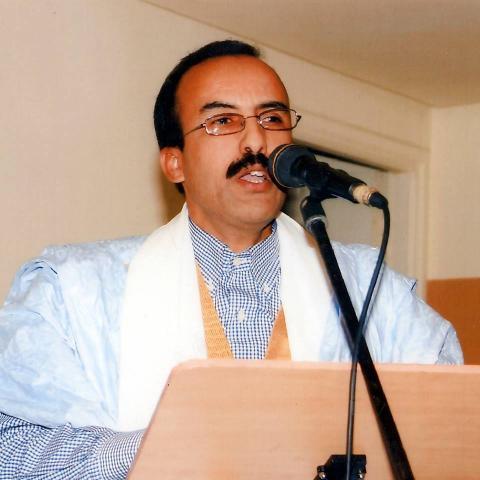 الشاعر الدكتور أدي ولد أدب