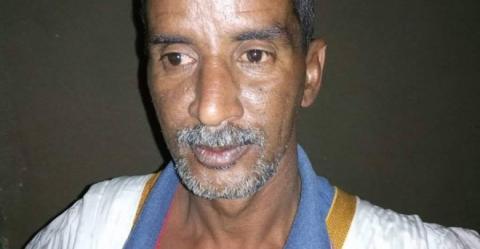 """سيدينا ولد خرشف -العامل الذي تسبب فصله الأسبوع الماضي في أزمة بين """" سنيم """" و عمالها"""