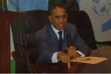 الدكتور إزيدبيه ولد محمد محمود ـ وزير سابق و السفير الحالي بسلطة عمان